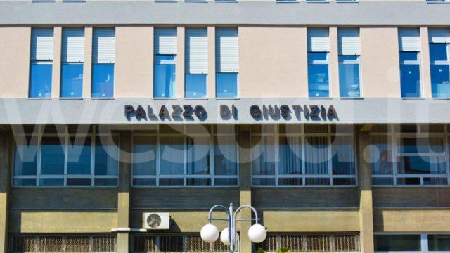 Regali in cambio di favori, cinque carabinieri della Stazione di Cirò Superiore indagati