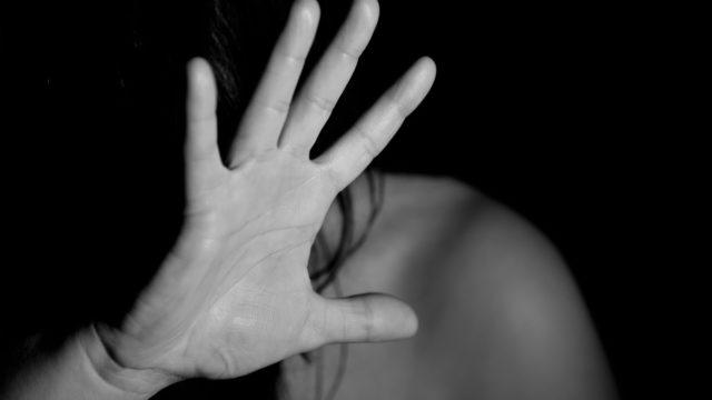 Violentata e seviziata per dieci lunghi anni, cinque arresti a Corigliano-Rossano