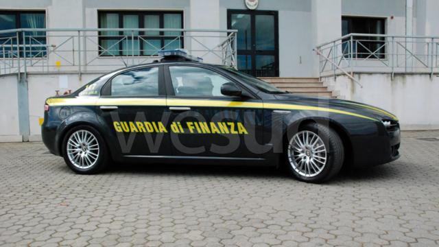 La Guardia di Finanza di Crotone scopre falso cieco: denunciato 67enne