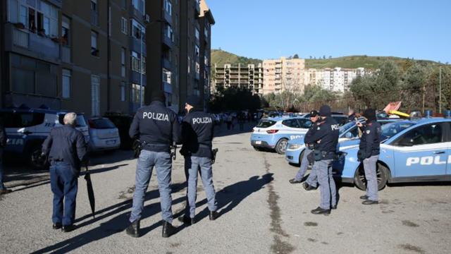Piano coordinato di controllo del territorio nei quartieri sud di Catanzaro , perquisizioni e arresti
