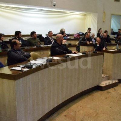 """Gruppo consiliare M5S Crotone: Finalmente  il Comune sarà """"Plastic Free"""""""