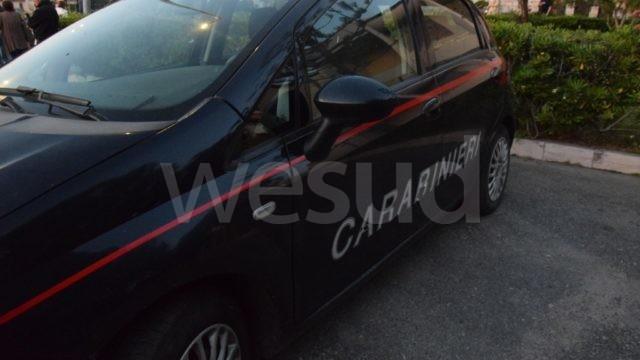 Ciro' Marina (KR): Sorpresi con bastoni e coltelli in auto, tre persone denunciate