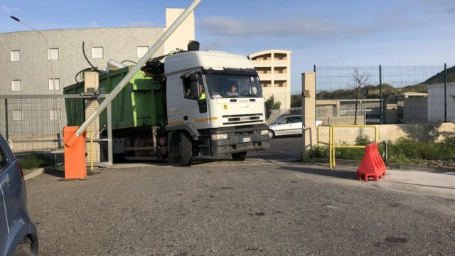 Crotone, Akrea attiva le linee telefoniche per le isole ecologiche cittadine