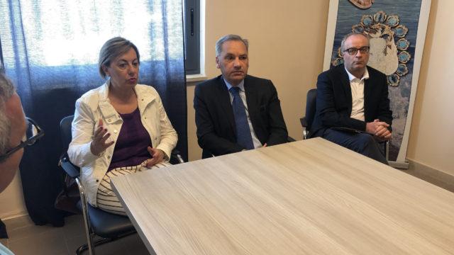 Il Direttore generale dell'Arpacal  Pappaterra in visita al Dipartimento provinciale di Crotone