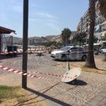 Crotone, furgone fa marcia indietro e butta giù un palo della luce in piazza Gramsci