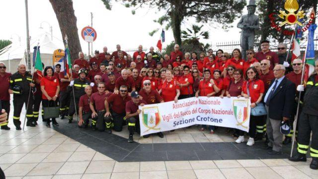 Concluso a Crotone il IV Raduno Regionale dell'Associazione Nazionale Vigili del Fuoco