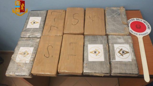 La Polizia Stradale di Cosenza sequestra oltre 10 kg di cocaina durante un controllo sulla A2