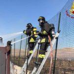 A fuoco container a Cutro (KR), intervengono i Vigili del Fuoco