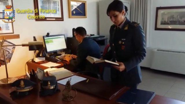 """Operazione """"Ghost Work"""", truffa ai danni dell'ASP di Cosenza: arrestato il sindaco di Scalea, sospesi 3 dipendenti dell'ASP"""