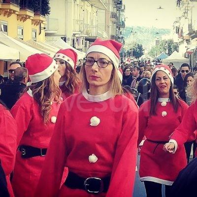 Crotone, in via Cutro è festa: Sport, arte, musica e i classici mercatini di Natale