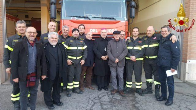 Crotone, Monsignor Angelo Raffaele Panzetta in visita al Comando Provinciale dei Vigili del Fuoco