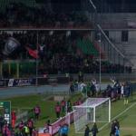 Serie B, Cosenza – Crotone 0-1: Messias regala il derby di Calabria ai pitagorici, quarta vittoria consecutiva per gli squali