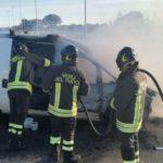 Crotone, giornata di intenso lavoro per i Vigili del Fuoco: incendi e incidenti su tutto il territorio provinciale