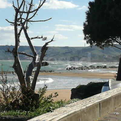 Crotone, sospetta presenza di fosforite in via per CapColonna: interdetto temporaneamante al pubblico il tratto di spiaggia all'altezza della stazione radio