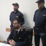 VIDEO | Crotone, sorpreso con una calibro 22 dopo aver rubato due telefoni all'ex compagna: arrestato 58enne
