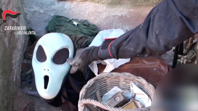 'ndrangheta: chiuso il cerchio su due ritrovamenti d'armi nel Vibonese, quattro arresti