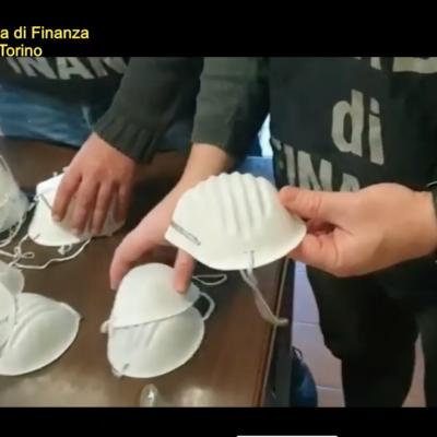 Coronavirus, mascherine vendute a 5mila euro e non sicure: denunce anche in Calabria