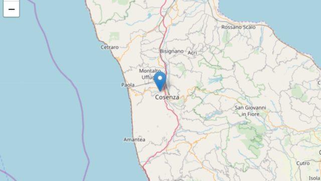 Scossa di terremoto magnitudo 4.4 in provincia di Cosenza, paura e gente in strada