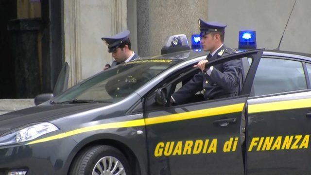 """Operazione """"BIG SPOT"""", gonfiavano le fatture per ottenere un finanziamento comunitario: eseguite 4 misure cautelari e sequestrati 415.000 euro"""