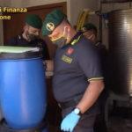 VIDEO | Truffa, la Guardia di Finanza di Crotone sequestra prodotto spacciato come sanificante