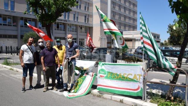 Crotone, cambia l'appalto di vigilanza al Palazzo di Giustizia sit in delle organizzazioni sindacali di categoria
