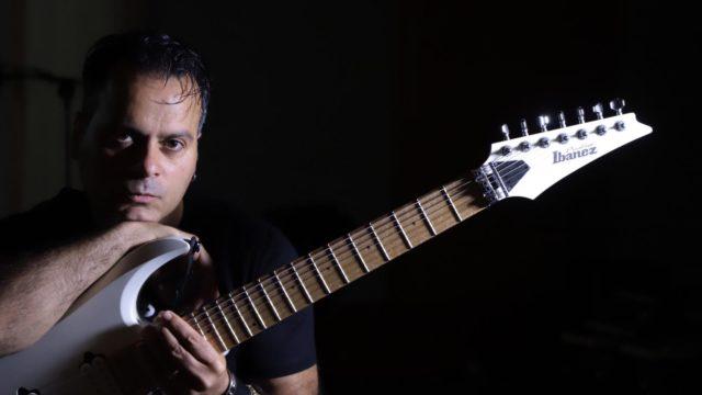 Crotone, il chitarrista Fabio Mangano avvia una importante collaborazione con il tastierista di fama internazionale Derek Sherinian