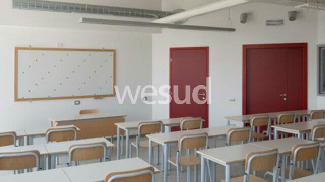 Covid 19, al Comune di Crotone  400mila euro per l'adeguamento delle aule scolastiche in previsione dell'avvio del prossimo anno scolastico