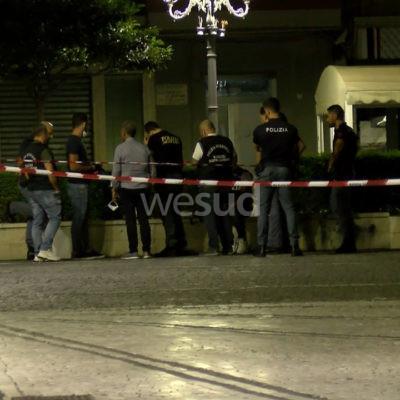 VIDEO | Crotone, zaino con materiale esplosivo davanti al Comune: denunciato il giovane fermato