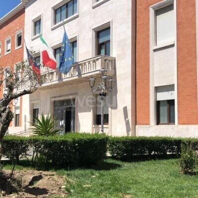 Crotone, il Comune pubblica l'avviso per il reclutamento di ventitré figure professionali