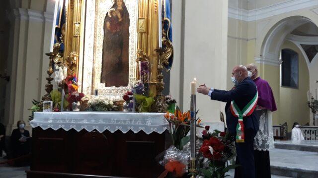 Crotone, con l'accensione del Cero Votivo rinnovato l'omaggio della città alla Madonna di Capo Colonna